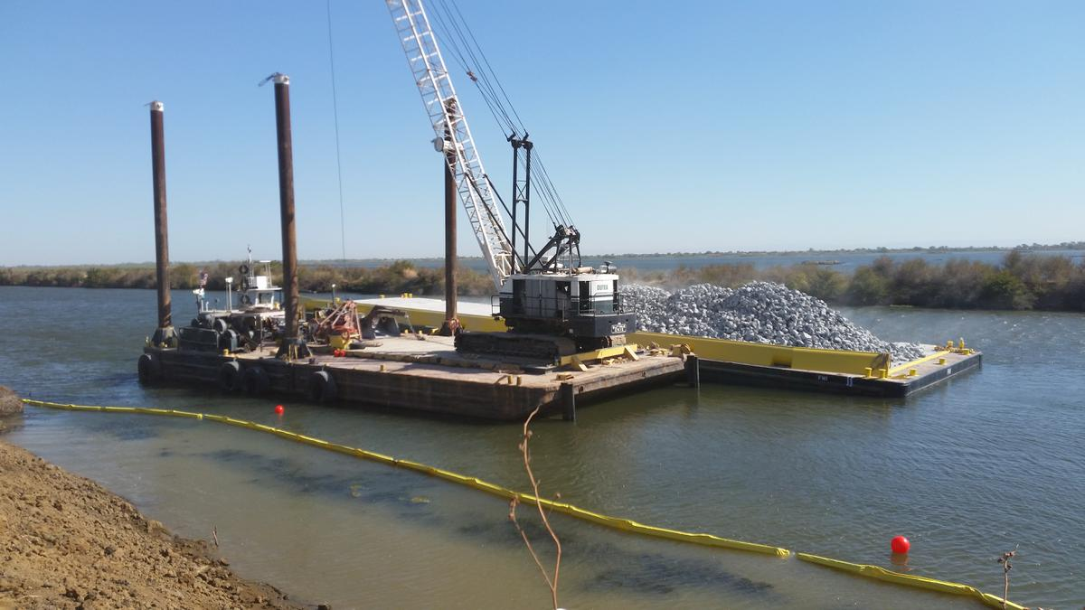 Dutra Group | Delta Division | Emergency Levee Erosion and Stability Repairs (South) 2017